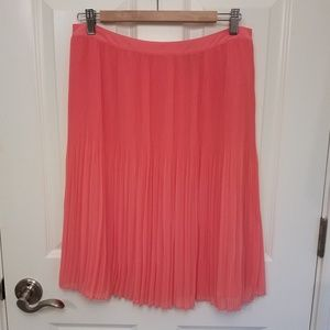 Lord & Taylor coral pink pleated knee length skirt